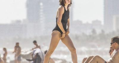 Дэйзи на пляже – Дэйзи Ридли