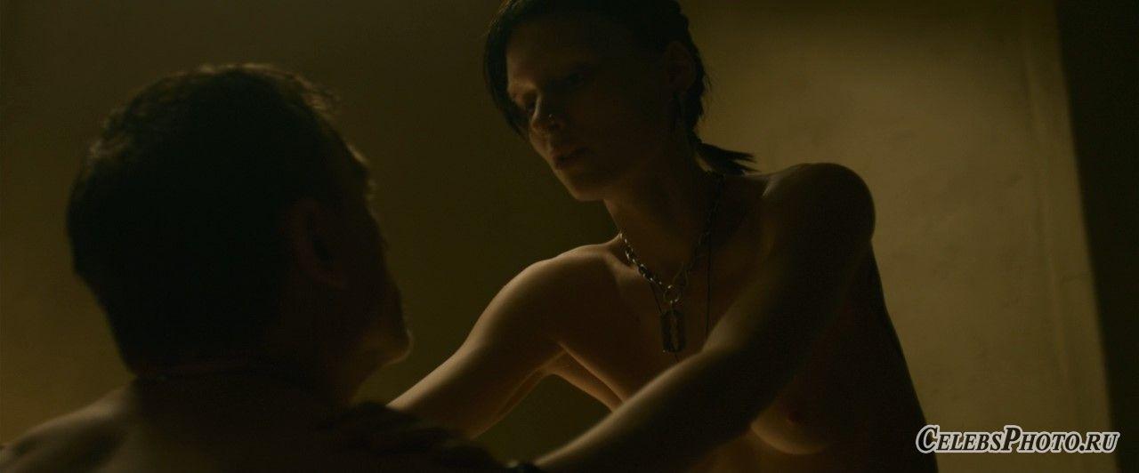 Девушка с татуировкой дракона – Руни Мара